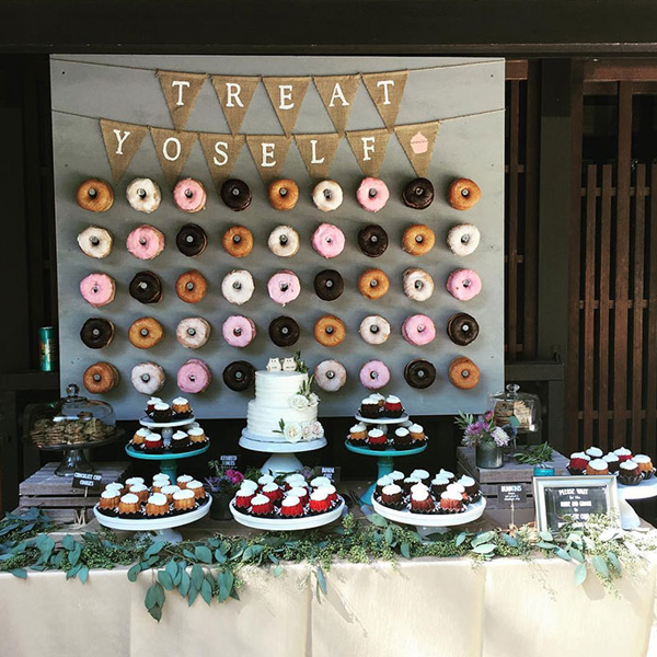 Pleasing 28 Wedding Food And Dessert Table Display Ideas To Try Download Free Architecture Designs Xoliawazosbritishbridgeorg