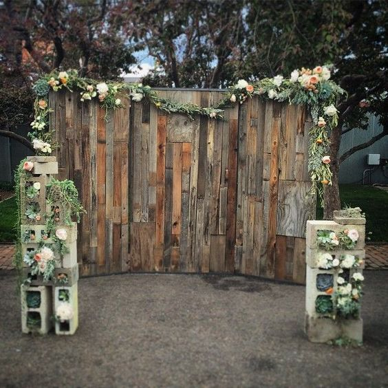 24 Wooden Pallet Wedding Ideas For Your Big Day